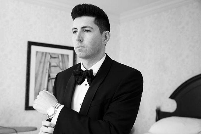 groom getting ready at the Omni Hotel in San Francisco